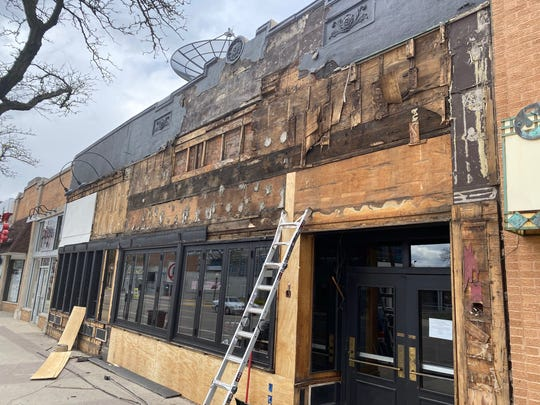 "Mr. B's Gastropub in downtown Royal Oak is being renovated to become Alchemy with a focus on farm-to-table dining and ""creative cocktails."""